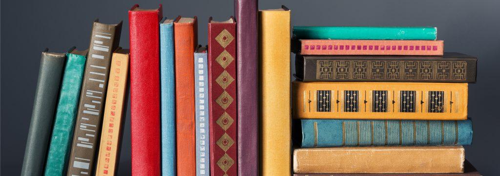 bookshelf-organization-1024x361